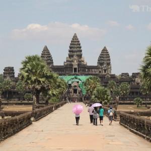 【カンボジア】日本政府、国道改修や地雷撤去活動に円借款と無償資金協力