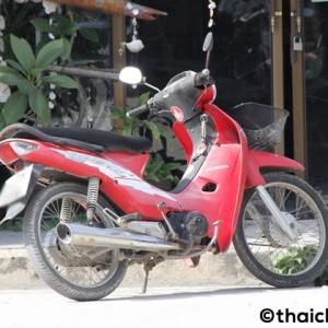 パンガン島で見たレンタルバイクのトラブル