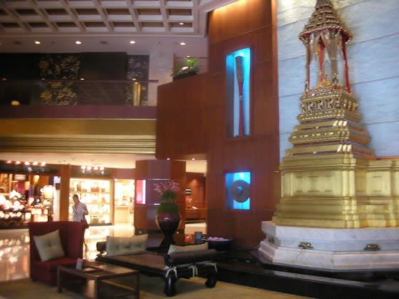 ロイヤルオーキッド・シェラトンホテル&タワーズ(Royal Orchid Sheraton Hotel & Towers)