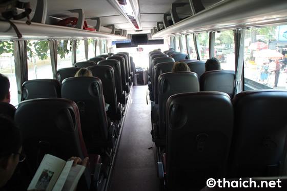 カンボジアのジャイアント・アイビス社長距離バス、試乗記