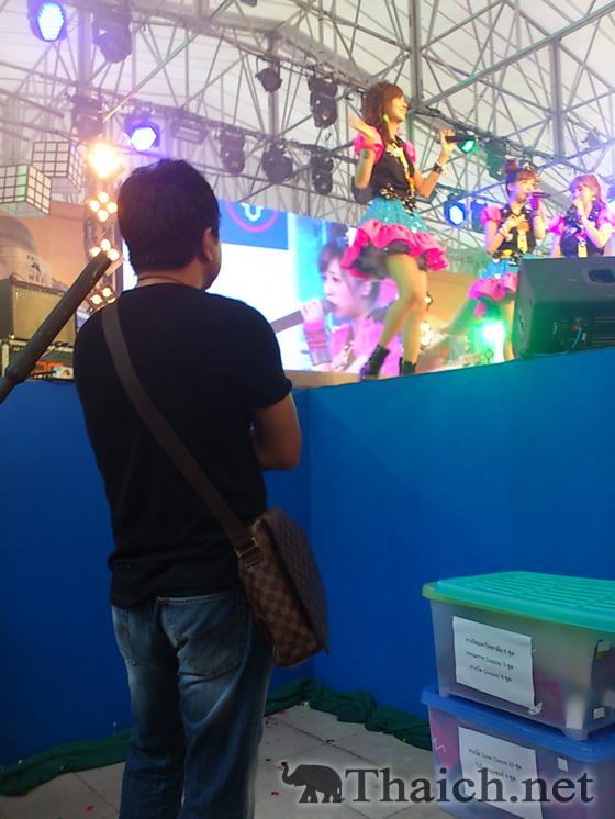 ジャパンフェスタ2012開催前日のサイアムパラゴン前広場(Parc Paragon)