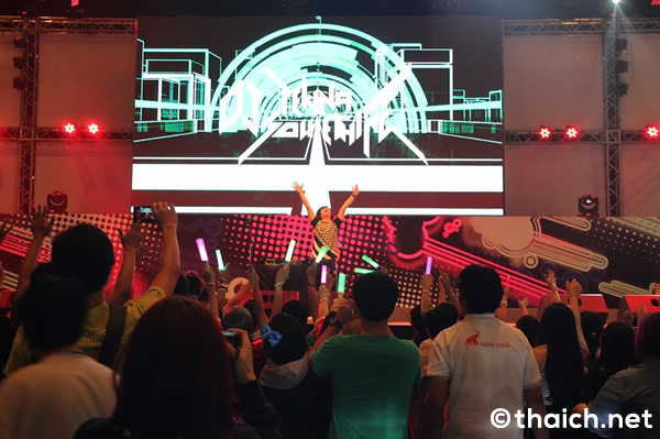 DJ'TEKINA//SOMETHING&八王子P 独占インタビュー in タイ・バンコク[THAILAND COMIC CON 2015]