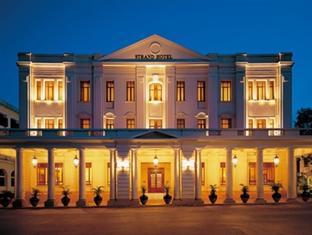 ストランド ホテル