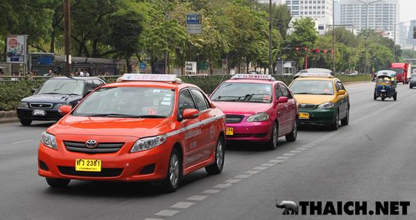 タイのタクシーに深夜割増料金はありますか?