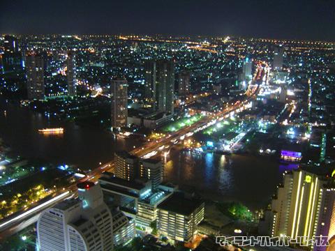バンコクのレストラン「シロッコ」からの夜景
