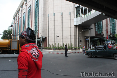 ラチャプラソン交差点周辺の赤服デモ 2010年4月16日