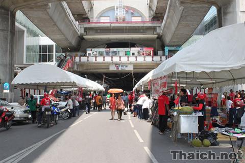 ラチャプラソン交差点付近の赤服デモ 2010年5月8日