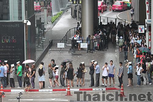 クリスピー・クリーム・ドーナツ@サイアムパラゴン タイ進出で大行列
