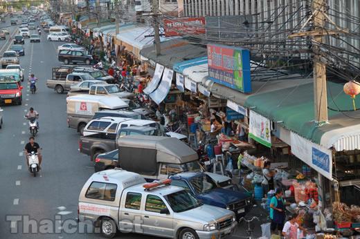チョンブリ県ノンモン市場
