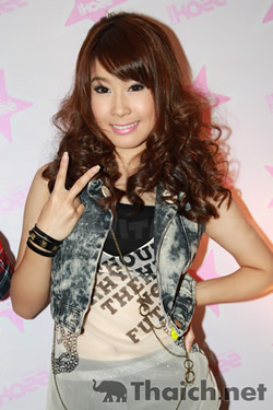 「かわいいバンコク」で見る 2011年に活躍のアイドルユニット