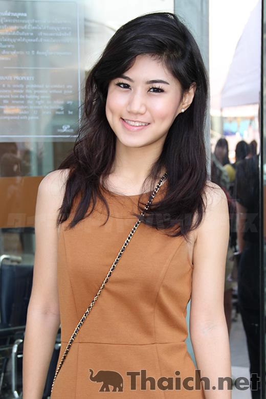 フェイ-フェイファンケウ(FAYE-Faye Fang Kaew)2
