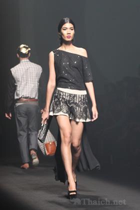 27 FRIDAY-ELLEファッションウィーク2012 秋冬