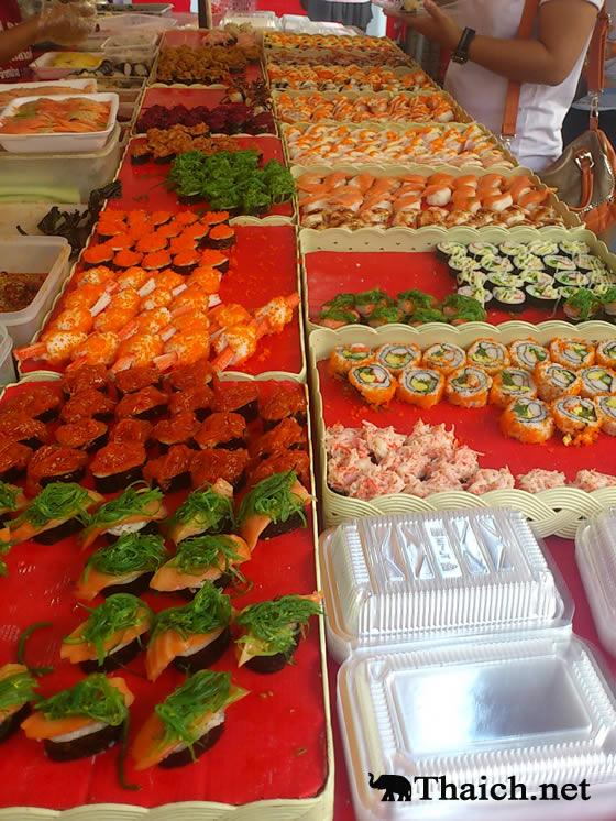 タイ人の定番メニュー市場の激安お寿司