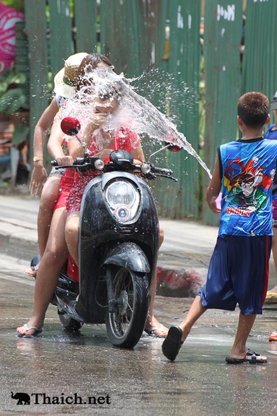 2013年ソンクラーン(タイ正月・水かけ祭り)の様子