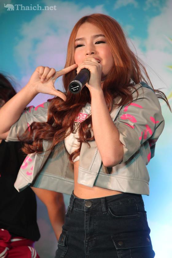Kamikazeの新人アイドルThankyouがパフォーマンスを初披露