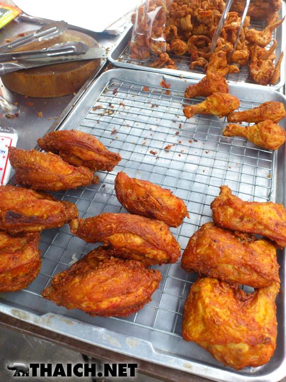 忙しい朝は鶏の唐揚げ(ガイトード)とモチ米(カオニャオ)で決まり!