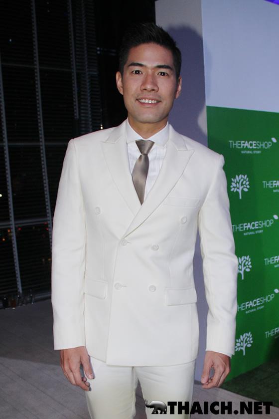 タイの人気男性司会者ウッディーが同性婚を告白