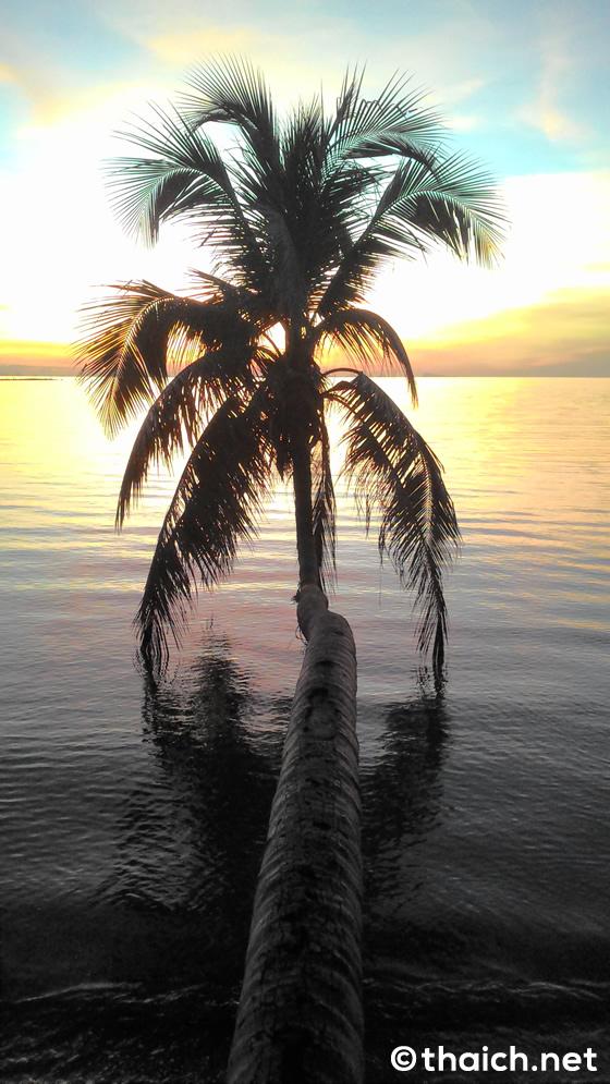 ツーリストが集まる賑やかなハドリンビーチ【パンガン島】