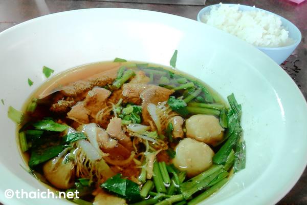 【バンセーン】絶品牛肉スープの店「トー・カオラオヌア・ノンモン」