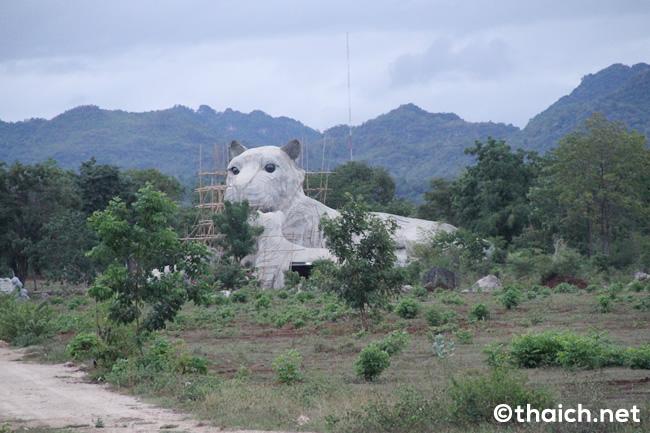 【カンチャナブリ】タイガーテンプルの巨大門