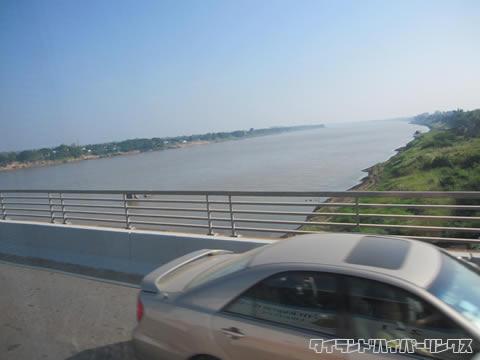 タイ-ラオス友好橋 メコン川横断