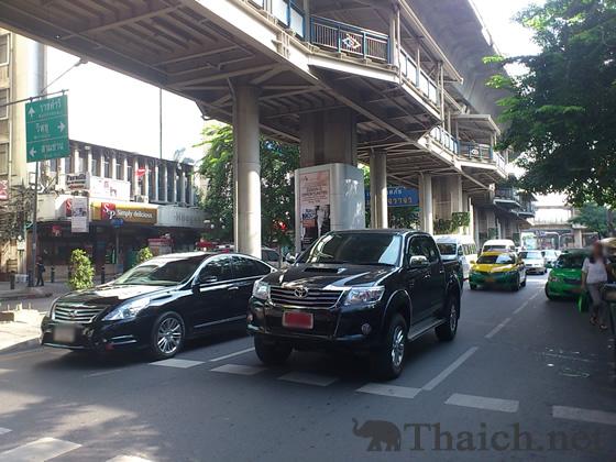 シーロム通り(Thanon Silom)