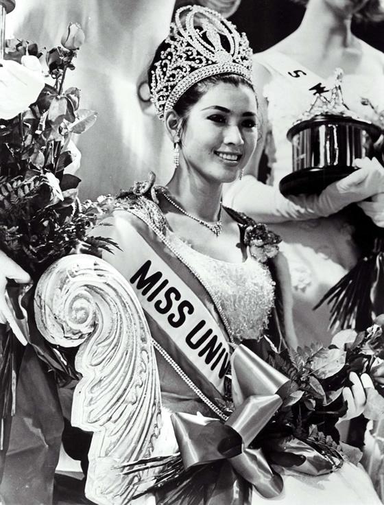 現在67歳!1965年のミス・ユニバースでグランプリに輝いたタイ代表アプサラ-・ホンサクンさんの美貌【TVウォッチング】
