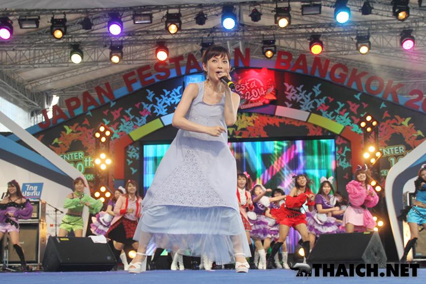 安倍なつみミニライブ@ジャパンフェスタ in バンコク 2014