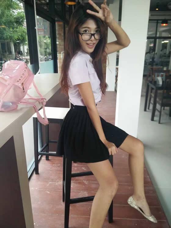 タイの美人すぎる屋台のお姉さんに話題騒然!