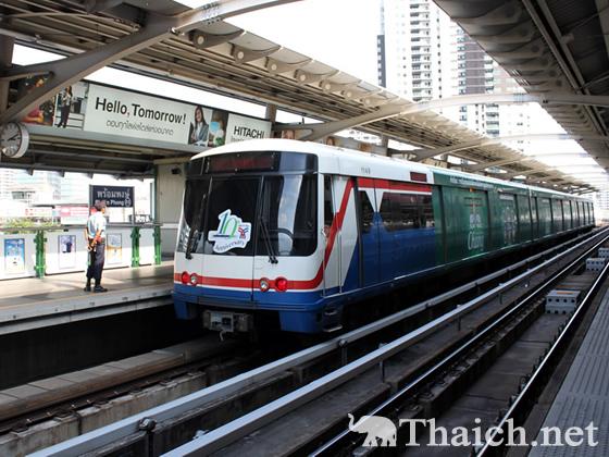2012年大晦日 バンコクの地下鉄、BTS、エアポートリンクは午前2時まで運行延長