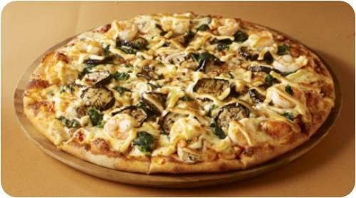 ドミノ・ピザでトムヤムクン・ピザが2015年6月15日から9月上旬まで期間限定発売