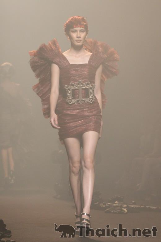 HOOK'S-ELLE Fashion Week 2011 Autumn/Winter at CentralWorld