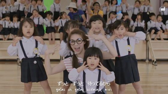 ラオンフォンが日本語で歌う長崎で撮影のミュージックビデオ「いますぐ あいたい」が公開