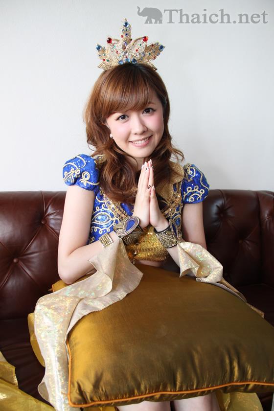 Berryz工房独占インタビュー in バンコク 2012