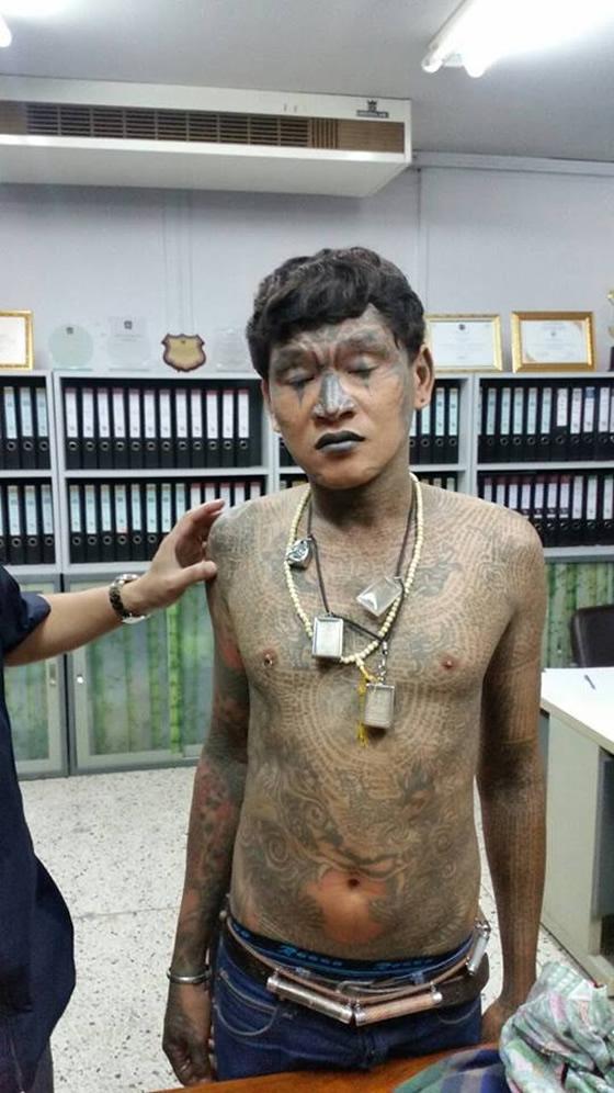 逮捕されたギャング団員ボー・ループソム(32歳)の顔面・全身刺青が話題