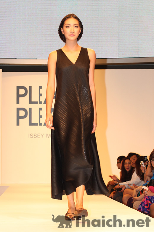 PLEATS PLEASE ISSEI MIYAKE AUTUMN/WINTER 2011