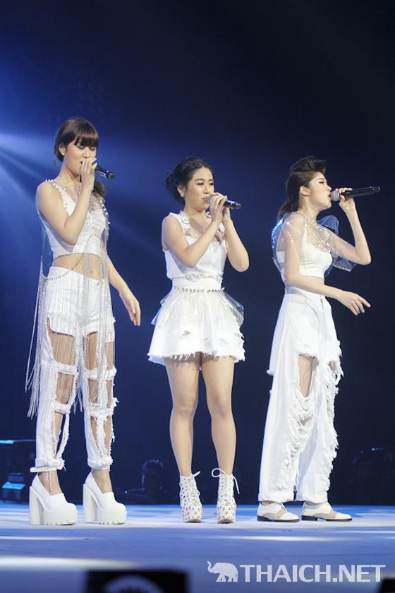 AIS 3G One-2-Call! Present Kamikaze K Fight Concert
