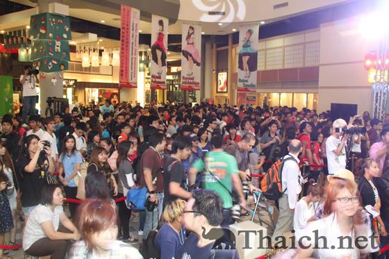 モーニング娘。タイ・バンコクでの握手会にファン3000人