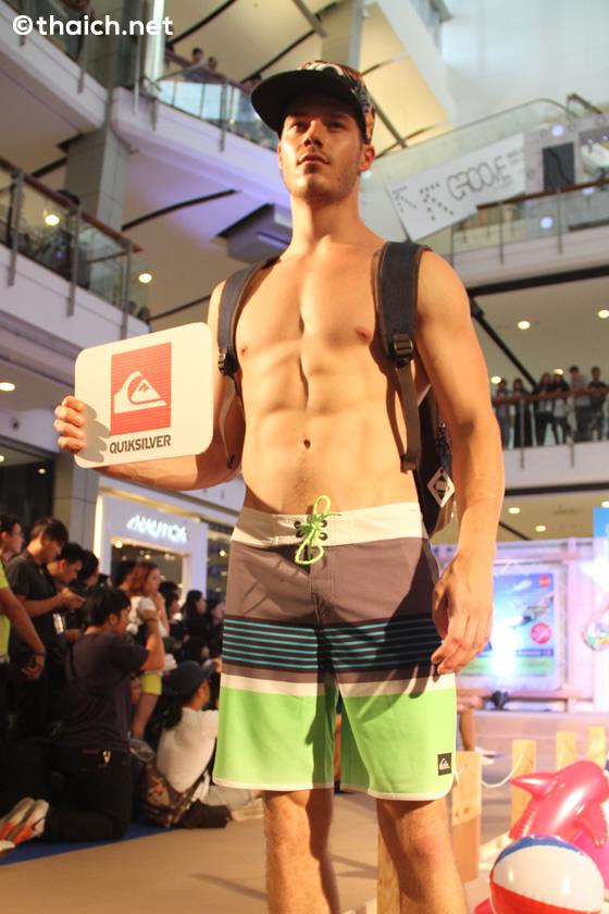 イケメンマッチョ達の水着特集 [Supersports Speed Up for Summer Fashion Show]