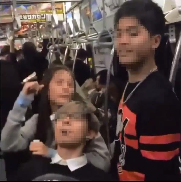 タイ人若手俳優陣、春の日本で大はしゃぎで大ひんしゅく(笑)