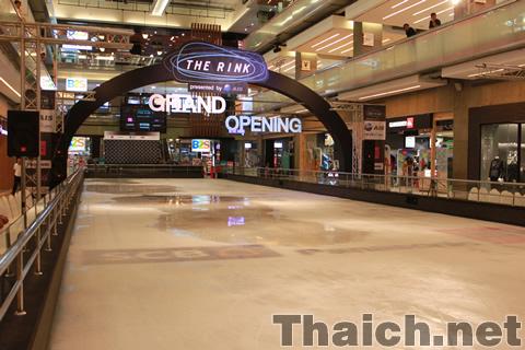 セントラルワールドのスケート場「THE RINK」がグランドオープン