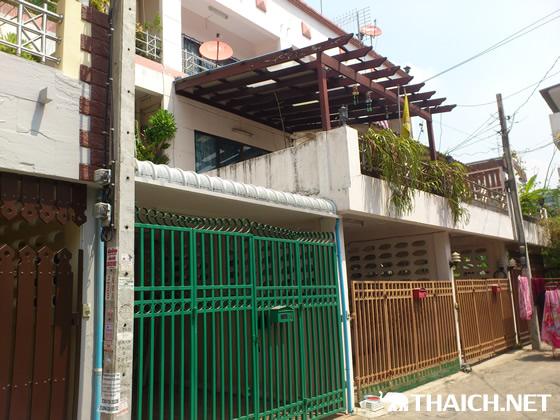 タイの住宅事情3階建てタウンハウス屋上テラス付きのお家賃は・・・?【TVウォッチング】