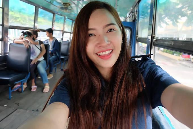 バンコクの路線バスで美人車掌が見つかる!