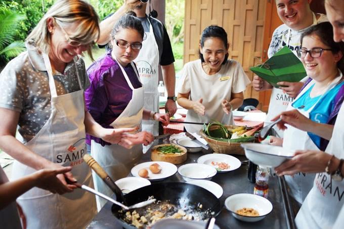 「本物のタイ料理を学び、タイの文化を感じる体験型ツアー」