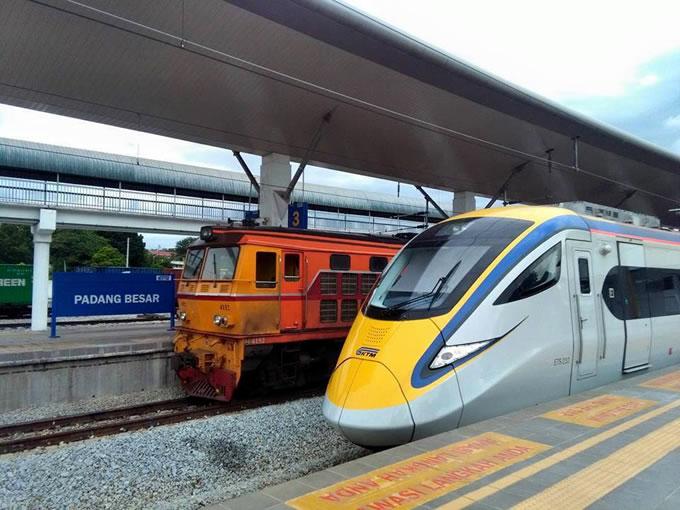 タイ国有鉄道とマレーシア鉄道公社の車両