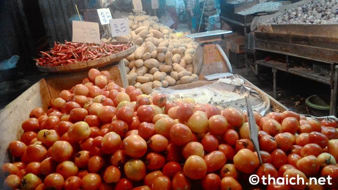 Khlong Toei Market 03