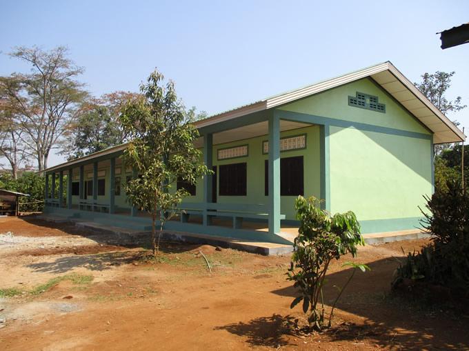 2016年3月に完成したラオス・ドンニャイ村中学校の校舎