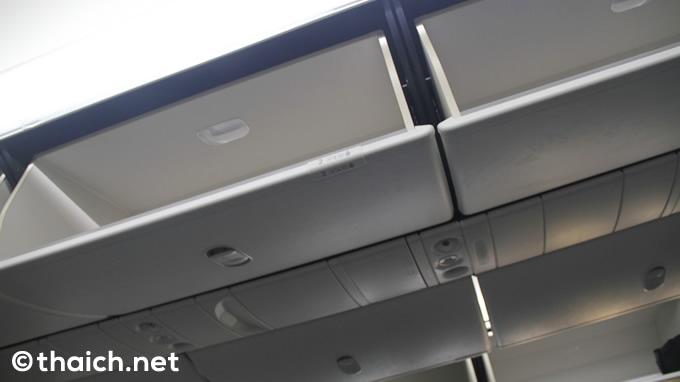 従来機より30%も容量アップした手荷物棚