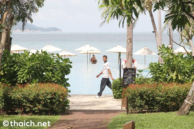 サムイ島「メラティ」のプール&ビーチで何もしない1日を過ごす