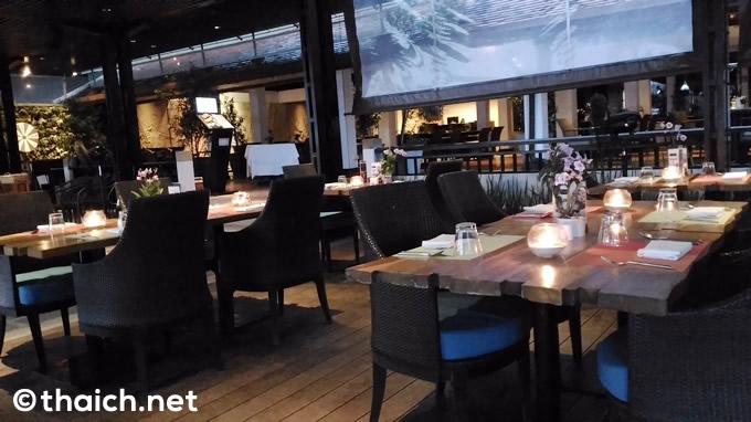 サムイ島「Chom Talay Restaurant」店内の様子